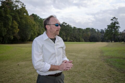 Slave cemetery poses questions for Florida country club
