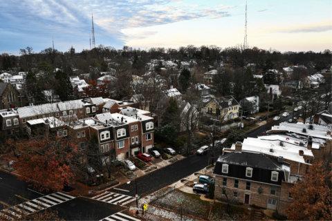 DC region's 1st snow of season: Slushy commute, some Va. schools delayed