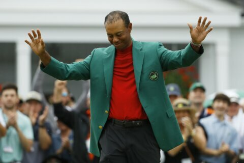 Column: Expectations getting higher as Woods gets older
