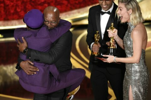 Spike Lee, Taylor Swift make year's top entertainment photos