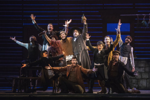 Q&A: Israeli actor keeps 'Fiddler on the Roof' tradition alive at National Theatre