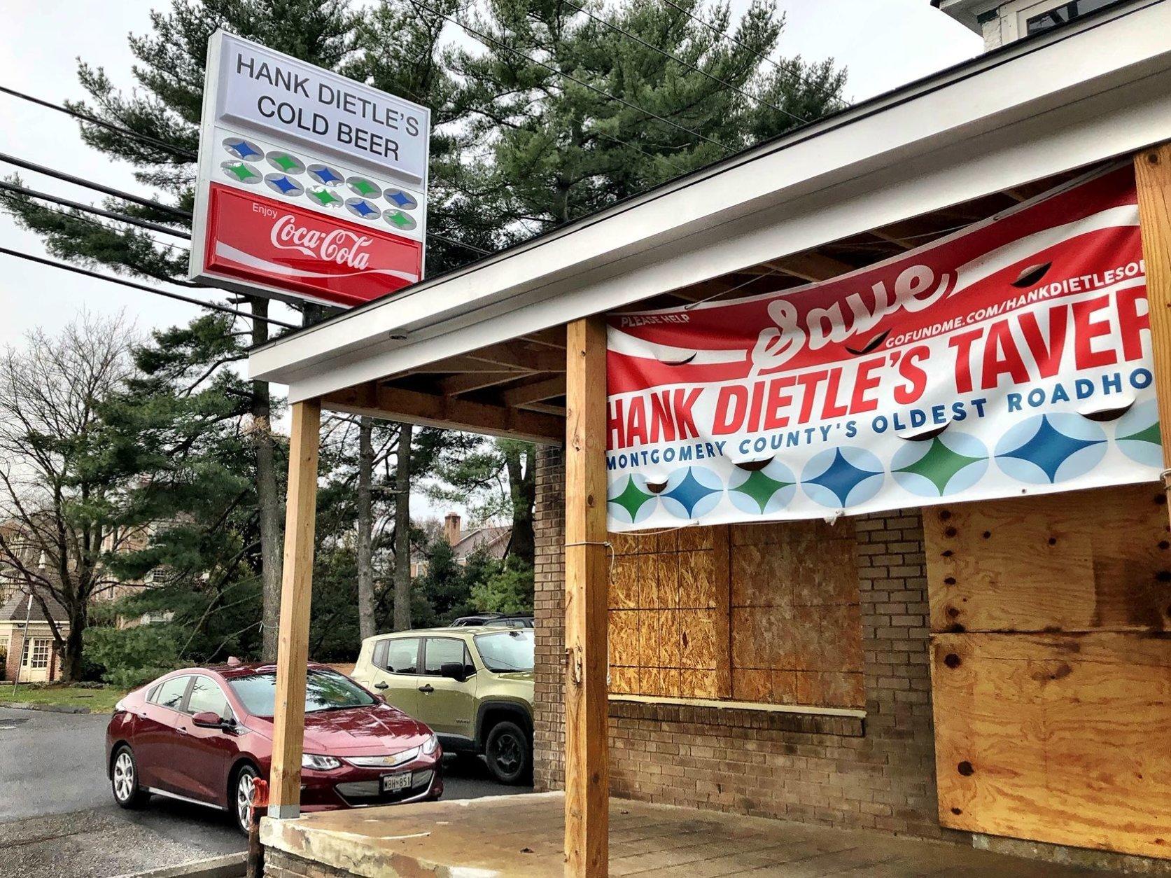 hank dietle's tavern sign