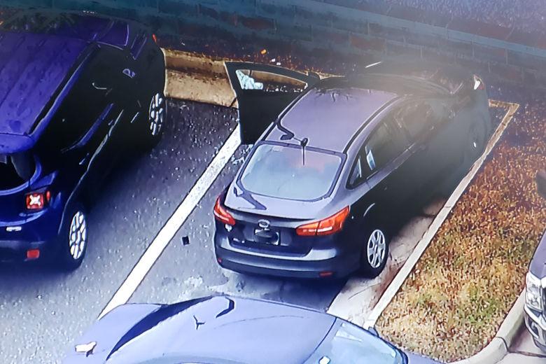 Car at Lovettsville post office