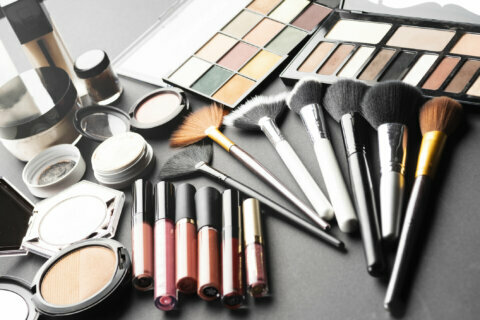 E-Coli on your face: Most makeup contaminated with superbugs, study says