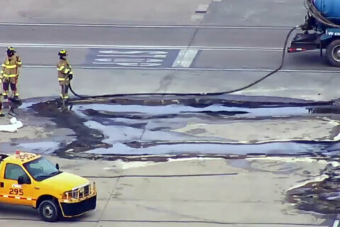 Fuel leak cleaned up at Dulles International Airport
