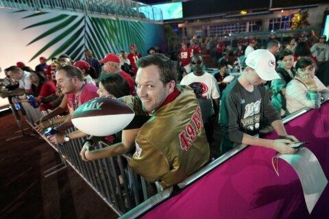 Column: Super Bowl streak ends at age 89 for Izenberg