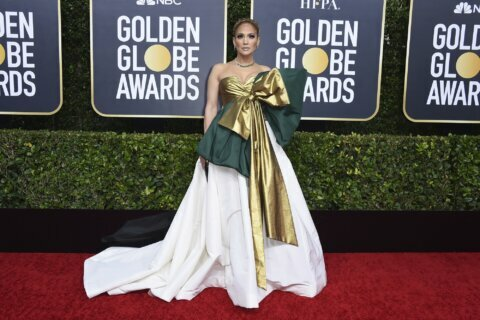 A mix of risk-takers and classic Hollywood at Golden Globes
