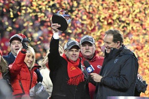 Super Bowl a tossup at legal sports books