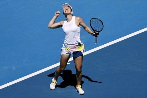 Zverev ousts Wawrinka at Australian Open; into 1st Slam semi