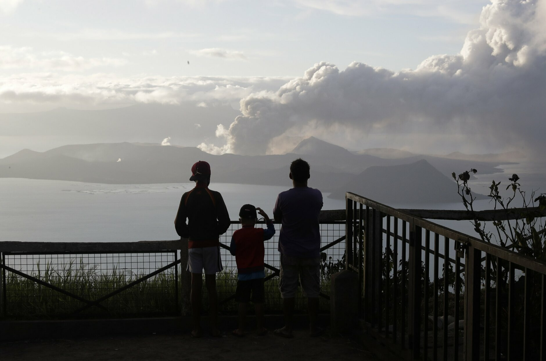 Philippine Volcano Trembles More Spews Lava Half Mile High Wtop