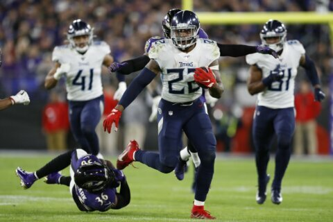 Titans stun Ravens 28-12; 49ers dominate Vikings 27-10
