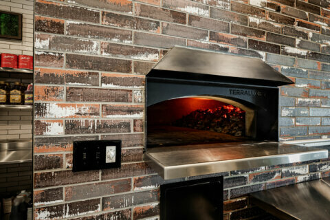 Anthony's brings coal-fired pizza to Bethesda