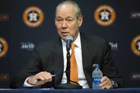 Astros owner Crane expects to hire new manager by Feb. 3