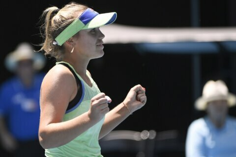 Barty goes on at Australian Open, sets up semifinal v Kenin
