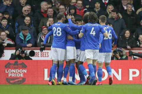 Tottenham held by Southampton, Leicester wins in FA Cup
