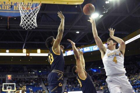Smith scores 17 as UCLA beats Cal 50-40