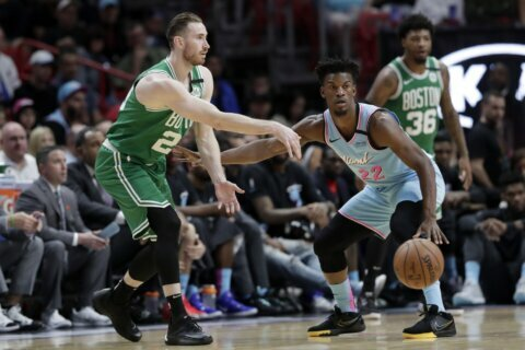 Hayward scores 29, Celtics hold off Heat 109-101