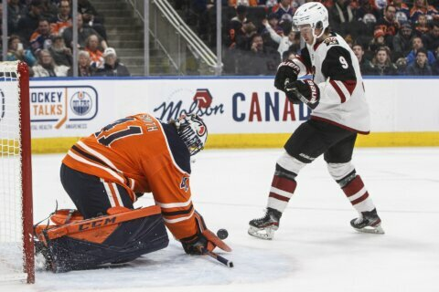 McDavid scores twice, Oilers beat Coyotes 7-3