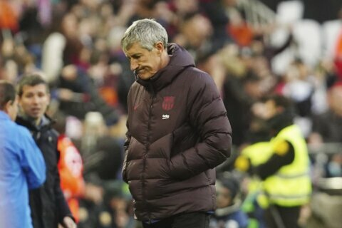 Barcelona coach Setién under fire after 3 games in charge