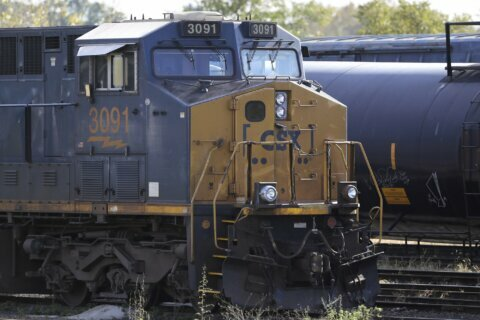 CSX 4Q profit declines 9% as railroad hauls less freight