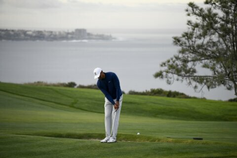 Woods, McIlroy give Torrey Pines the feel of a season opener