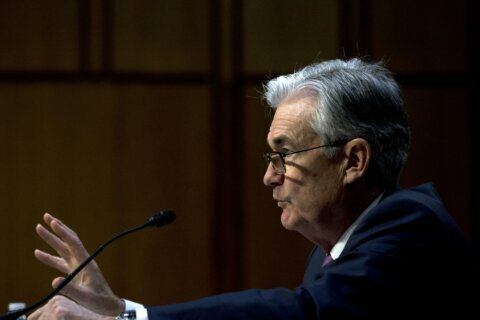Fed leaves key rate unchanged at low level amid global risks