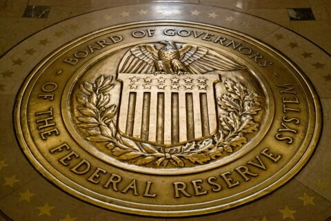 Trump to nominate Shelton, Waller to Federal Reserve