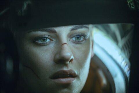 Review: Kristen Stewart can't save 'Underwater' from sinking