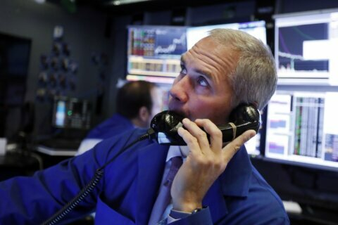 World shares slip on jitters over China-US trade deal
