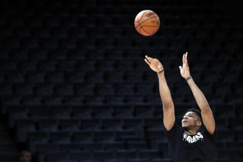 In Paris, Hornets look for ways to stop Antetokounmpo