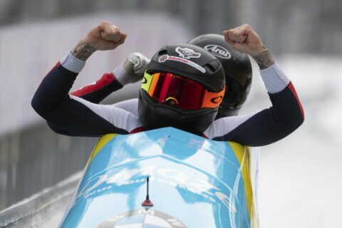 Humphries of US wins to near World Cup bobsled overall title