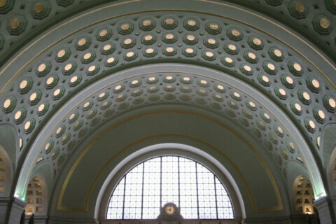 Man dead in stabbing at Union Station Metro