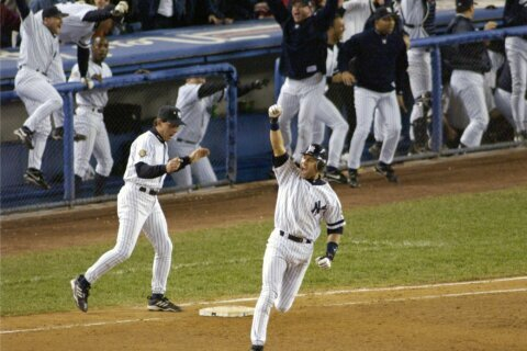 Jeter 1 vote shy of unanimous, Walker also elected to Hall