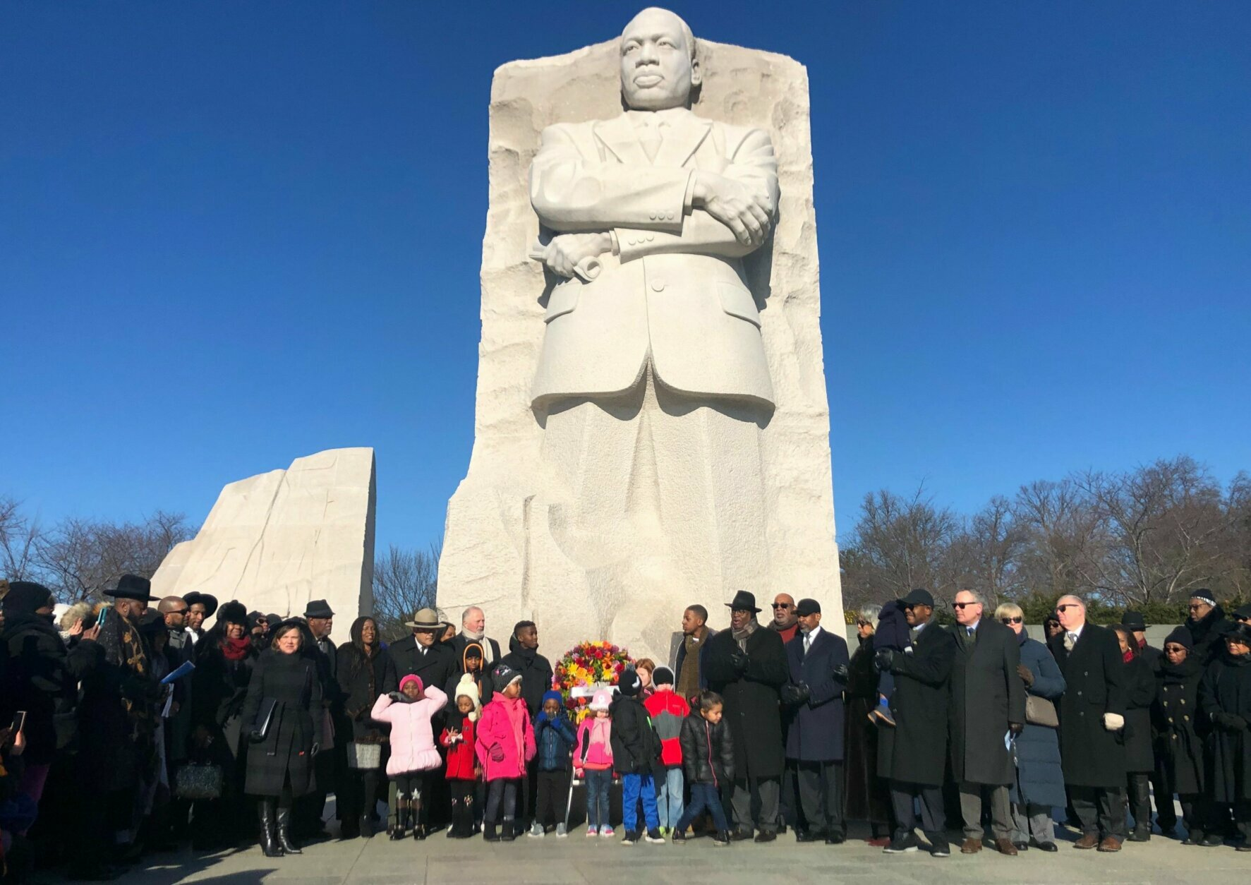 Martin Luther King Jr S Legacy Honored With Wreath Laying Ceremony At Dc Memorial Wtop