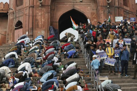 Protests against citizenship law continue unabated in India