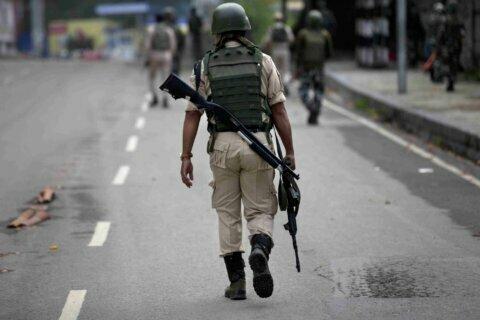Decorated Indian officer arrested for Kashmir rebel ties