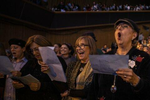 Orthodox women seek bigger role as Jews end Talmud cycle