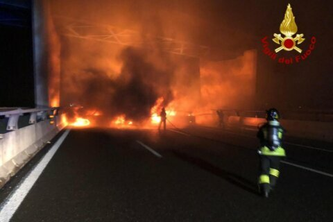 A failed Italian job: Driver evades flaming highway robbery