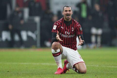 Çalhanoğlu scores twice to help Milan beat Torino 4-2 in cup