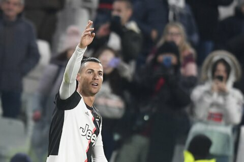 Ronaldo return to form helps Juventus rise to top again