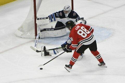 Kane gets 1,000th point, Blackhawks beat Jets 5-2