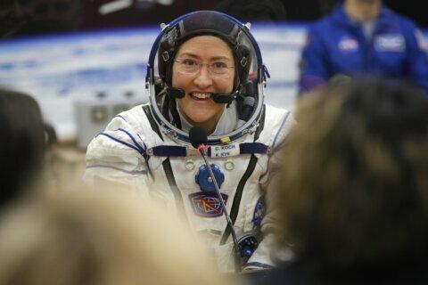 Astronaut craves salsa and surf after record 11 months aloft