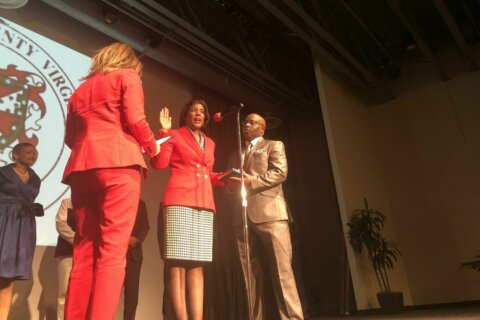 New Loudoun County Board of Supervisors sworn in