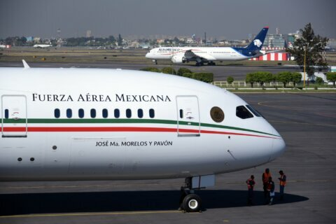 Mexico tries to sell presidential jet to Canada; raffle next