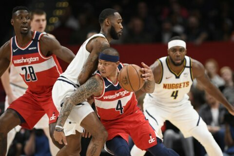 Ish Smith scores career-high 32 points, Wizards beat Nuggets