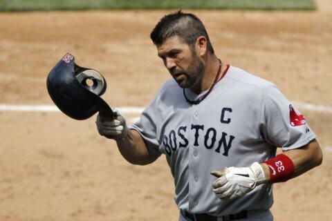 """""""Hire 'Tek!"""": Red Sox fans make pitch for Varitek as manager"""
