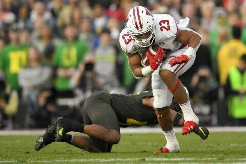 Wisconsin running back Jonathan Taylor to enter NFL draft