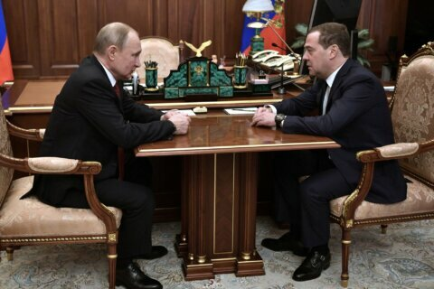Russian prime minister submits resignation to Putin