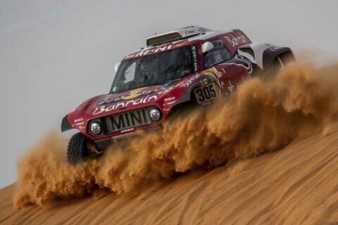 Sainz and Brabec taking Dakar Rally leads into rest day