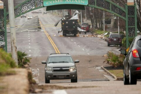 Recovery begins after storms kill 11 in Midwest, South